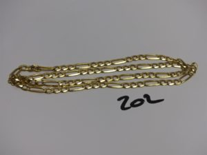 1 chaîne en or maille Figaro (sécurité cassée, L62cm). PB 29,9g