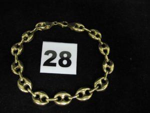 1 Bracelet en or maille grain de café (L22cm, maillons cabossés, entamés). PB 11,3g