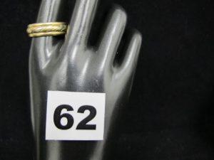 1 alliance tricolore en or (TD 63). PB 11,1g
