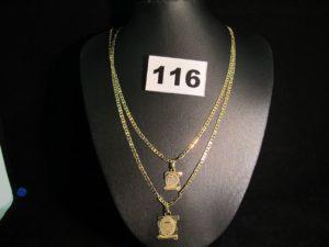 2 Chaines mailles marines (L 48cm), et 2 pendentifs parchemin. Le tout en or. PB9,8g