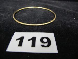1 Bracelet en or jonc (Diam 6,5cm). PB 13,3g