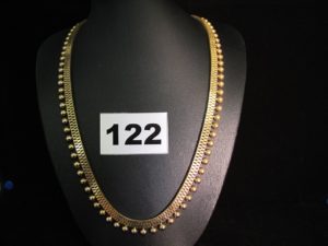 1 Collier en or maille vénitienne double, orné de demi boules (L 45cm). PB 34,1g