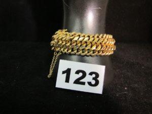 1 Bracelet en or large maille américaine (L 19cm). PB 33,2g