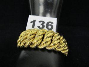 1 Bracelet maille américaine large en or (L 22cm). PB 55,7g