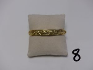 1 bracelet rigide ouvrant et ouvragé en or (diamètre 5/6cm). PB 11,2g
