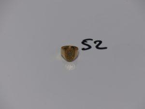 1 chevalière en or initiales gravées (td50). PB 4,7g