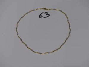 1 collier maille articulée bicolore en or (L42cm). PB 9g