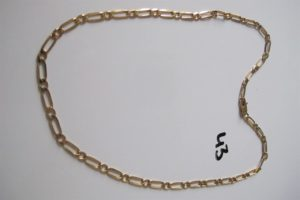 1 Collier en or maille alternée(L52cm). PB 21,8 g.