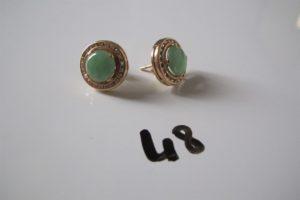 2 Boucles d'oreilles en or rehaussées d'une pierre centrale verte et entourée de pierres blanches.PB 5,3g