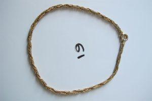 1 Collier en or maille festonnée polie et granitée(L40cm).PB 17,6g