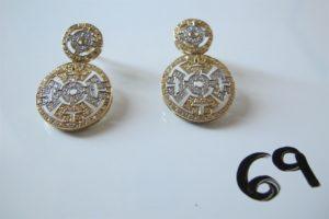 2 Pendants d'oreilles 2 ors ornés de pierres blanches.PB 8,4g