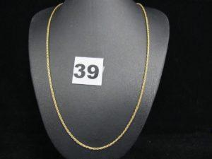 1 chaine fine maille palmier (L 48cm). PB : 2,5g