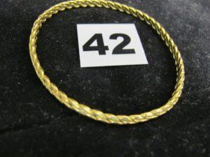 1 jonc torsadé 22K (L 6cm). PB : 20,5g