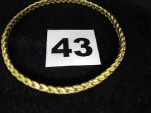 1 jonc torsadé 22 K (L 6cm). PB : 24,1g