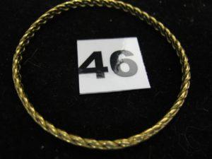 1 jonc torsadé 22 K (L 6cm). PB : 20,4g