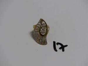 1 bague en or ornée de pierres (Td59). PB 7,1g