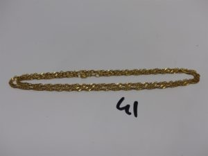 1 chaîne maille tressée et torsadée en or 21K (L65cm). PB 9,9g