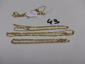 3 chaînes en or maille torsadée (L42/44/52cm). PB 6,6g + 1 chaîne cassée en métal