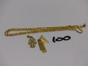 1 chaîne maille corde cassée en or et 2 pendentifs en or (1 à décor de 3 plaques mobiles et 1 main ornée de petites pierres dont 2 chatons vides). PB 9,3g