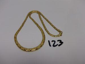 1 collier maille fantaisie en or (L40cm). PB 14,9g