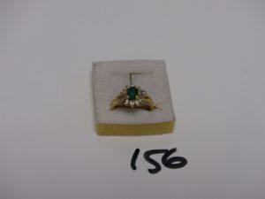 1 bague en or rehaussée d'1 émeraude entourage petits diamants (Td56). PB 5,4g