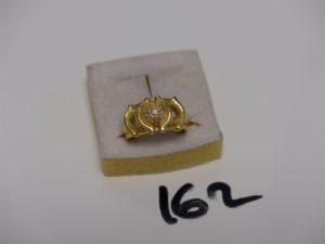1 bague en or ornée de petits diamants (Td52). PB 6,9g