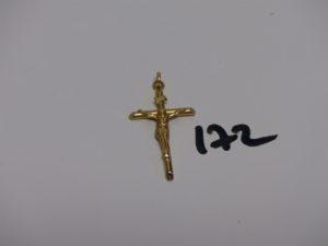 1 Christ sur croix en or (H4,5cm). PB 3,3g