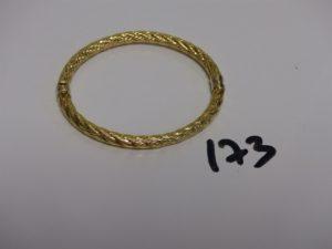 1 bracelet jonc creux torsadé en or (diamètre 5/6cm). PB 8,2g