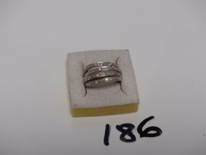 1 bague en or ornée de rangs de petits diamants (Td55). PB 6,5g