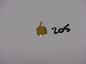 1 médaille de la Vierge en or gravée au verso. PB 1,3g