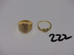 """1 chevalière en or initiales gravées """"AG"""" (Td60) et 1 bague en or ornée de 2 petits diamants (TD58). PB 7,8g"""