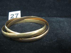 1 Bracelet 3 brins tricolore en or (Diam 6,2cm). PB 76,6g