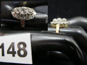 1 Bague ancienne, marquise en or sertie de diamants taille ancienne (TD 52/53 poinçon tête de cheval). PB 4,2g