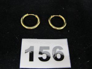 1 Paire de petites créoles (Diam 1,5cm). PB 1,2g