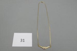 1 Collier 2 ors maille plate avec motif central martelé(L40cm).PB4,7g.