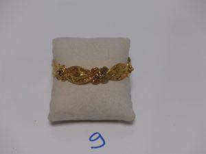 1 bracelet rigide ouvragé en or (diamètre 6,5cm). PB 38,7g