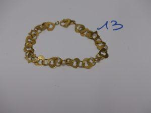 1 bracelet en or à décor de petits coeurs et petites étoiles (L18cm). PB 8,9g