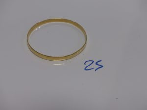 1 bracelet demi-jonc en or (diamètre 6,5cm). PB 18,3g