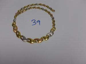 1 collier ras de cou maille articulée tricolore (L46cm). PB 24,8g