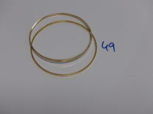 2 bracelets joncs plats (diamètre 7cm). PB 22,3g
