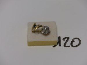2 bagues en or (1 ornée de petits diamants td50 et 1 ornée d'une petite pierre bleue et 2 petits diamants td53). PB 5,3g