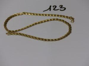 1 collier maille festonnée en or (L45cm). PB 16,1g