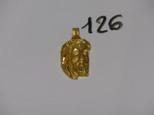 1 pendentif en or à décor du Christ (H5cm). PB 12,8g