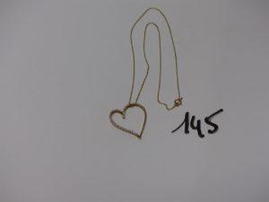 1 chaîne fine maille forçat en or centrée d'un pendentif coeur orné de petits diamants (L44cm). PB 5,7g
