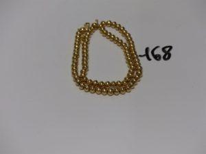 1 collier boules montées sur chaîne en or (L46cm). PB 45,2g