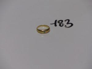 1 Bague demi-jonc en or ornée d'un petit diamant (td53). PB 5,9g