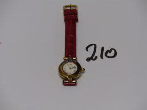 1 Montre dame de marque Must de Cartier boitier en vermeil, bracelet en cuir rouge (ref. 097154/590002). PB 19,7g