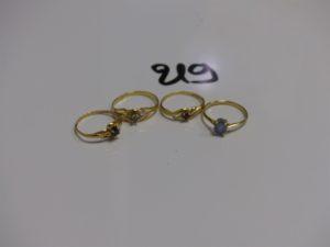 4 bagues en or ornées de petites pierres (3td52 et 1td55). PB 5,4g