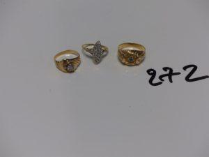 3 bagues en or ornées de petites pierres (td51,55,57). PB 8,1g