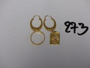 1 médaille d'amour, 1 alliance ciselée (td54) et 1 paire de créoles ouvragées. Le tout en or PB 6,7g